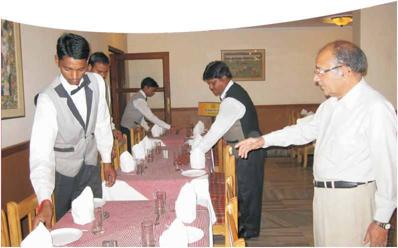 Instructing for dining